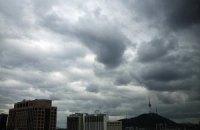 Військова авіація забезпечила бездощове небо над Києвом