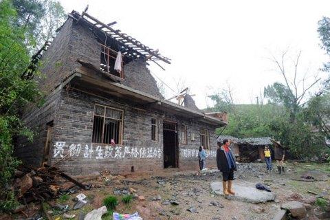 Жертвами торнадо с градом в Китае стали более 50 человек