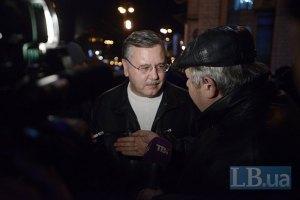 Гриценко опроверг информацию о вводе войск в Киев