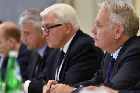 МИД Франции потребовал отУкраины предоставить Донбассу особый статус