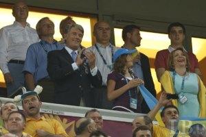 Азаров и Ющенко придут на матч Англия-Италия