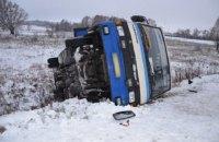 В Сумской области перевернулся рейсовый автобус с пассажирами