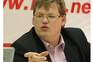 Министр соцполитики обещает ограничить пенсии прокурорам, судьям и нардепам