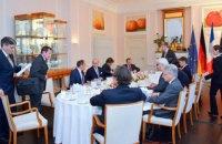 Франция и Германия готовы инициировать консультации с РФ по Донбассу