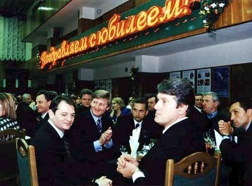 Геннадий Васильев на юбилее Ефима Звягильского в 2003 г.