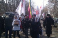 Торт и цветы тюремщики передадут Тимошенко лишь в понедельник