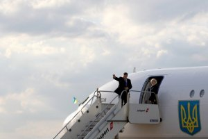 Янукович осмотрел новый евротерминал в Одесском порту