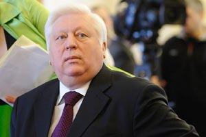 Пшонка велел лечить Тимошенко вне колонии