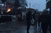 В Тунисе подорвали автобус с охраной президента, около 10 погибших