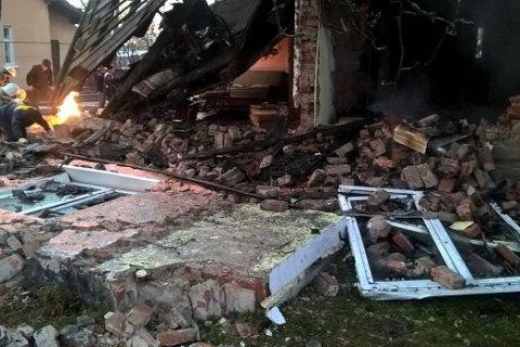 ВоЛьвовской обл. произошел взрыв газа влетней кухне, пострадала пенсионерка
