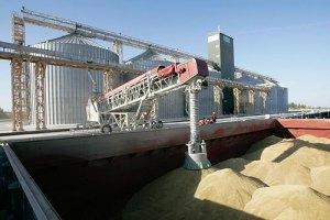 На складах України залишаються величезні обсяги зерна