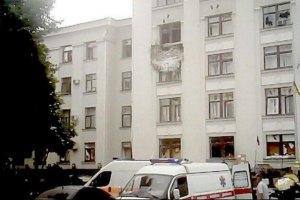 Из-за взрыва в Луганской ОГА погибло минимум 2 человек