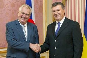 Янукович пообещал президенту Чехии: закон о лечении Тимошенко скоро будет в ВР