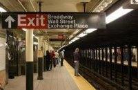 Около тысячи пассажиров лондонского метро эвакуировали из остановившегося поезда