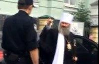Наместник Лавры нахамил полиции