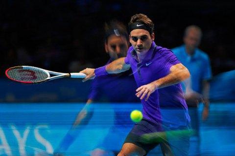 Федерер нанёс Джоковичу первое за 39 матчей поражение под крышей