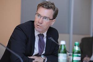 Украина пытается войти в ЕС без приближения к евростандартам, - Ланге