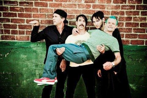 Red Hot Chili Peppers виступлять у Києві (видео)