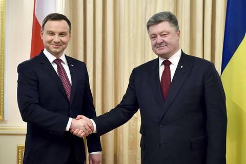 Дуда и Порошенко попробуют найти общих для Украины и Польши героев