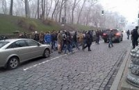 """Администрацию Януковича от Евромайдана охраняют тысячи """"титушек"""""""