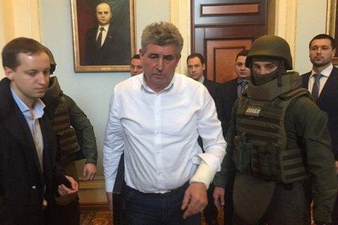Появилось видео задержания судьи Бурана в кулуарах Рады