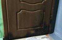 Задержаны подозреваемые в поджоге дверей квартиры мэра Херсона (обновлено)
