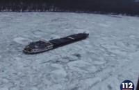 На Дунае в Румынии замерз корабль с экипажем на борту