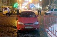 Пьяный полицейский въехал в мариупольскую елку