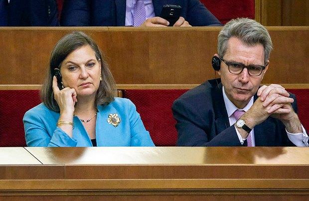 Помощник госсекретаря США Виктория Нуланд и посол США в Украине Джеффри Пайетт