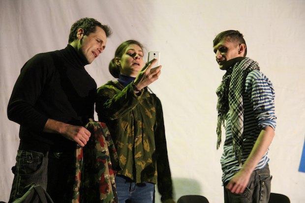 У Києві ставлять п'єсу про Іловайський котел (фото)