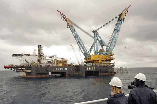 Строительство платформы Castor, хранилища природного газа в Валенсийском заливе Средиземного моря в 20 километрах от берега города Винарос, Испания
