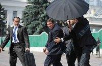 """Охранники Януковича """"отразили"""" нападение на кортеж"""