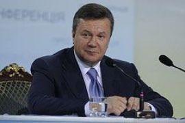 Приколы блогеров вызвали у Януковича горькую улыбку