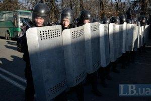 Бойцы ВВ на Грушевского готовы сдаться протестующим