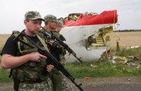 """На месте крушения """"Боинга"""" находится 900 боевиков"""