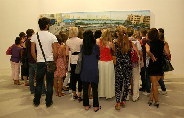 Каждый день в Арсенале проводились экскурсии по экспозиции