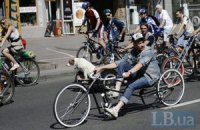 Тисячі велосипедистів проїхали центром Києва