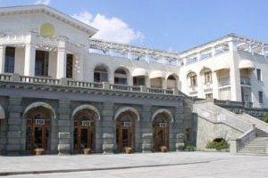 Депутаты дважды в год отдыхают за счет государства в Крыму