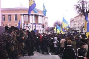 Винницкий губернатор требует освободить захваченное здание облсовета