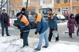 Кличко не терпится увидеть 7 тысяч человек, убирающих снег