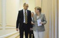 Меркель отметила смелость реформ правительства Яценюка
