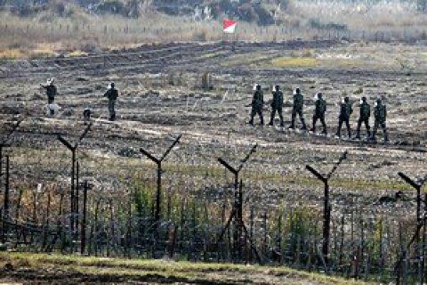 Пакистан обвинил Индию вобстреле школьного фургона вКашмире