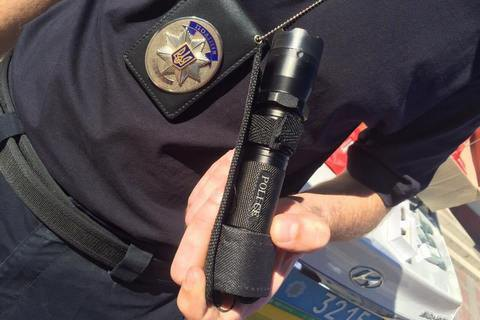 Полицейским разрешат чаще применять оружие и электрошокеры