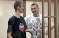 Сенцов и Кольченко просят писать им письма