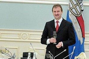 Попов будет отдыхать две недели после дня рождения Януковича