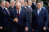 Янукович начал встречу с Лукашенко