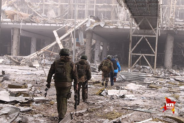 Сепартисты в захваченном аэропорту