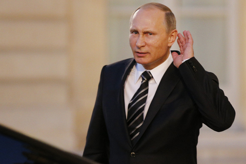 Мининформации объявило о капитуляции Путина в Париже
