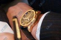 Закарпатский губернатор пришел на заседание Кабмина в часах за 200 тыс. грн