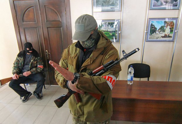 Боевики в одном из госзданий Донецка